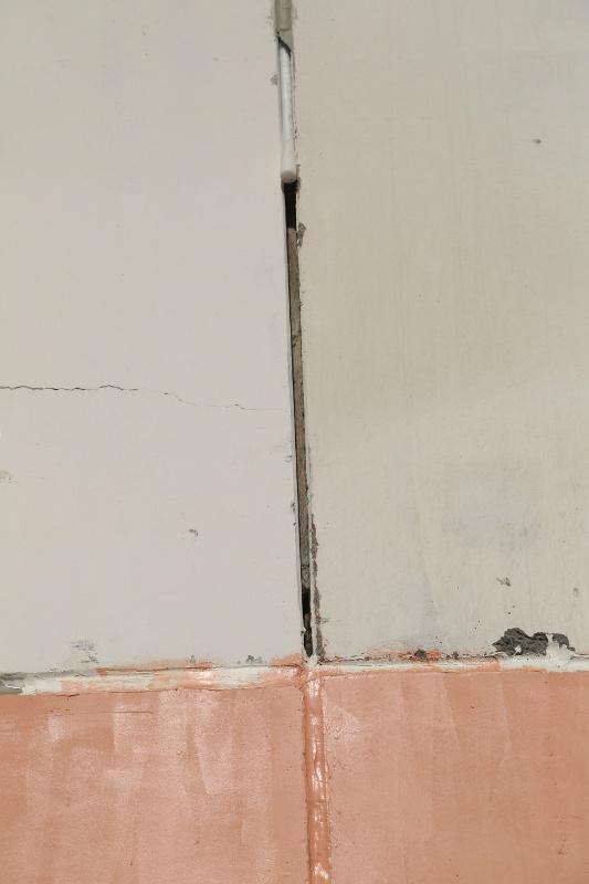 Как заделать швы в панельном доме своими руками